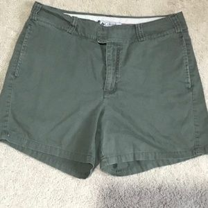 Columbia olive green shorts